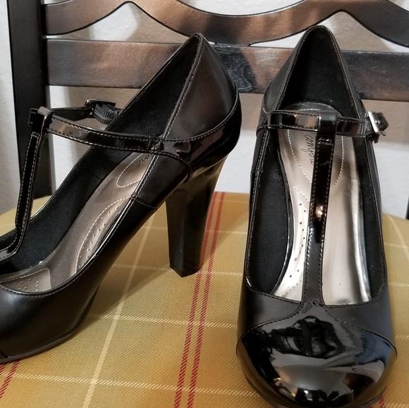6722b62c19b dexflex comfort Shoes - Payless Dexflex Comfort Mary Jane Heels Size 10